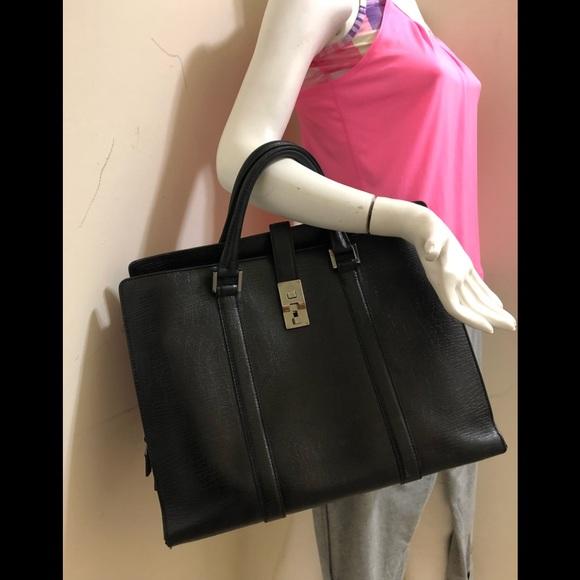 5c70098a7c Gucci Handbags - Authentic Gucci large office bag 💼 fits laptop